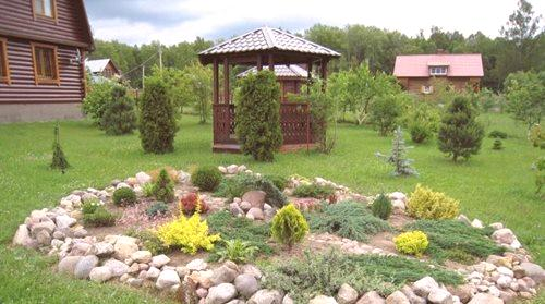 d48234969b98 ... že v odlišnej skalnatej záhrade s jedinečným čarom odhaľuje krásu a  kamene a rastliny. Ťažké na prvý pohľad štruktúra môže byť úplne splnená  sama o sebe ...